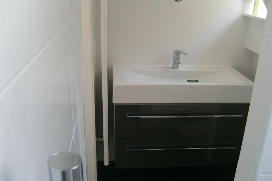 Badkamer-onderkast-kraan