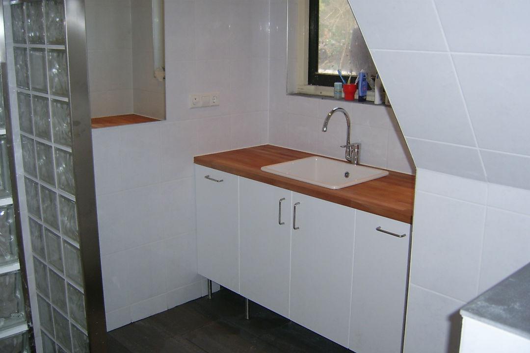J Huiting Klussenbedrijf -badkamermeubel